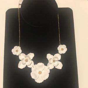 Jewelry - White Flower Blossom Necklace